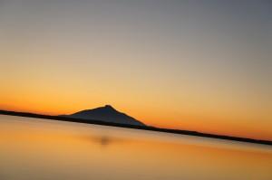 パンケ沼から臨む利尻山